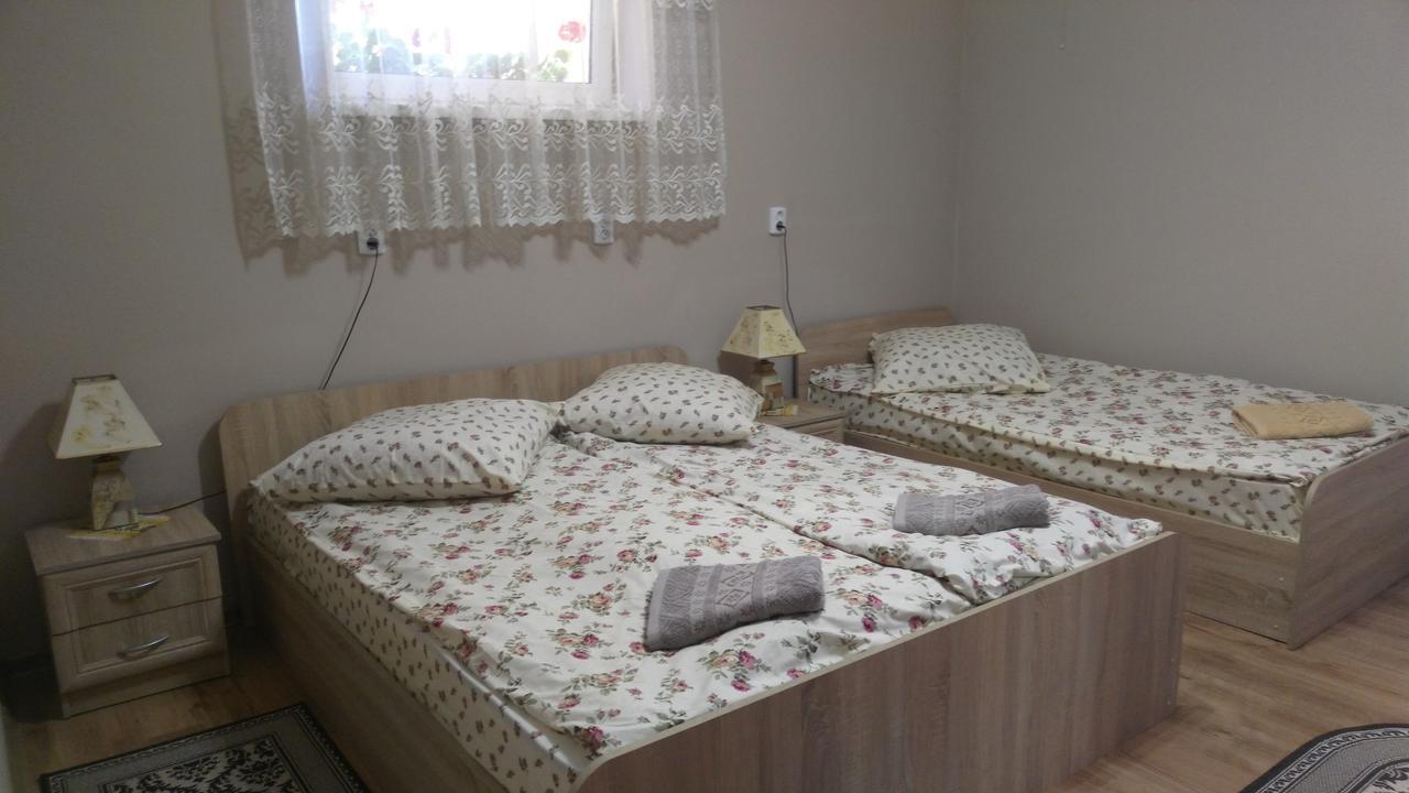 Apartments I & I Берегово