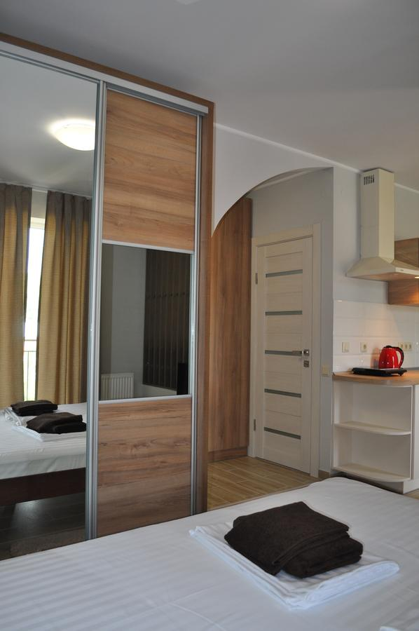 Apartments on Leva beregovo
