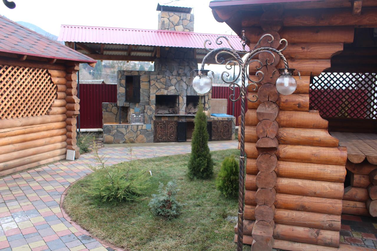 Отель Gostyniy Dvir Synevir Синевир