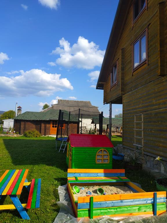 Дом Karpatskyi Teremok Верховина
