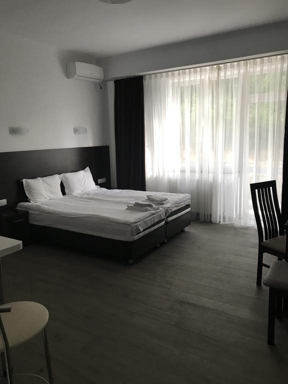Отель Neopolis Поляна